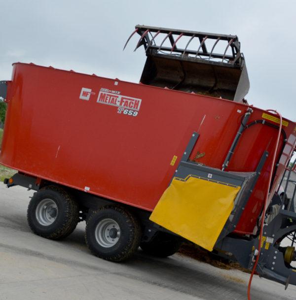 Миксер-кормораздатчик двухроторный Т-659 18 м³